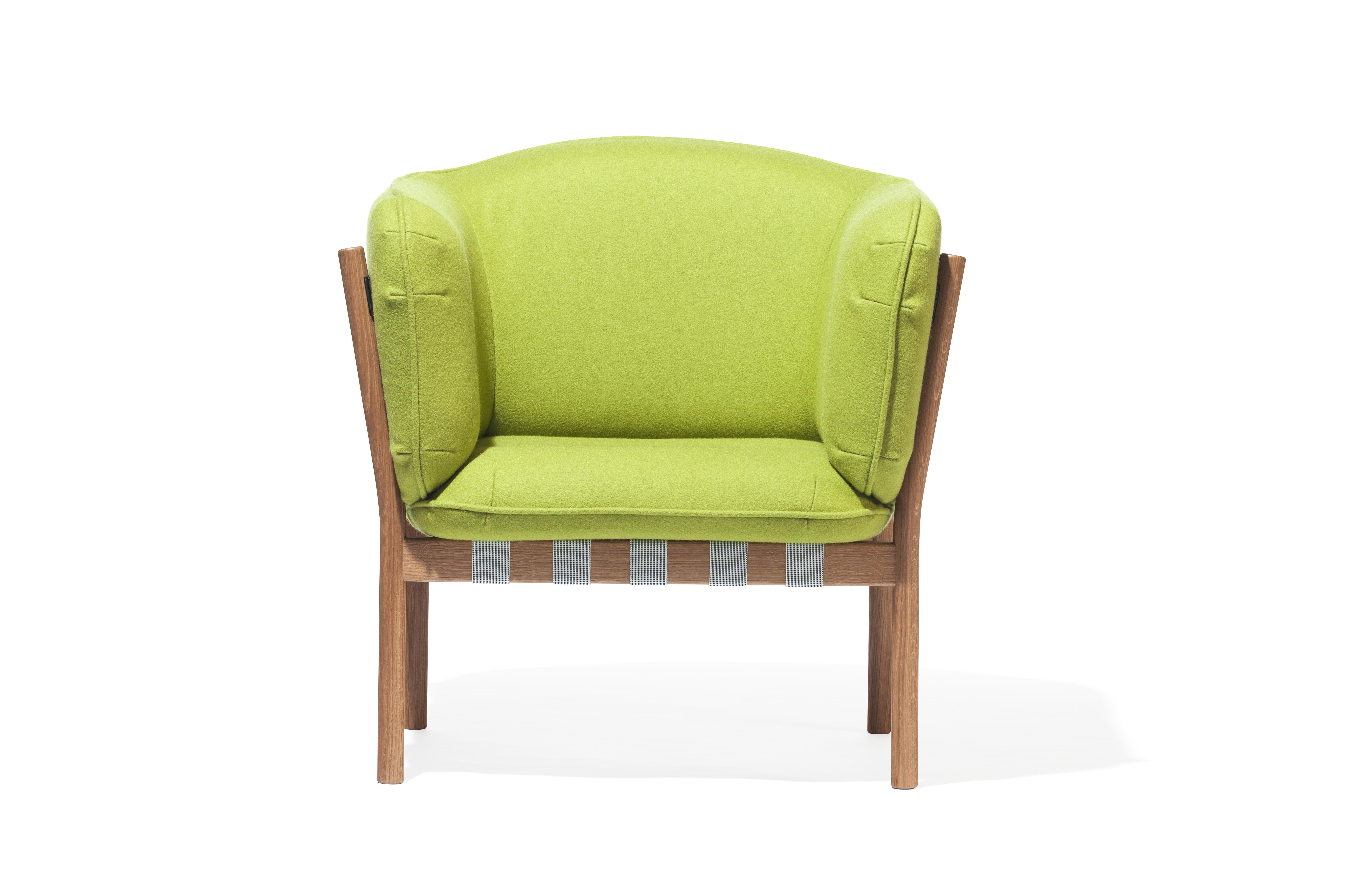 Fotoliu din lemn de stejar tapitat cu stofa Dowel Green l45xA52xH85 cm