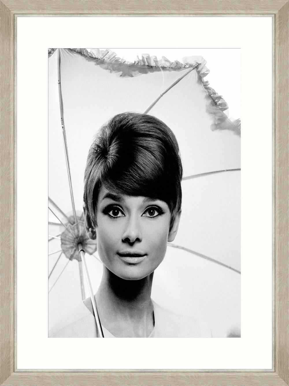 Tablou Framed Art Audrey Hepburn Under Umbrella imagine