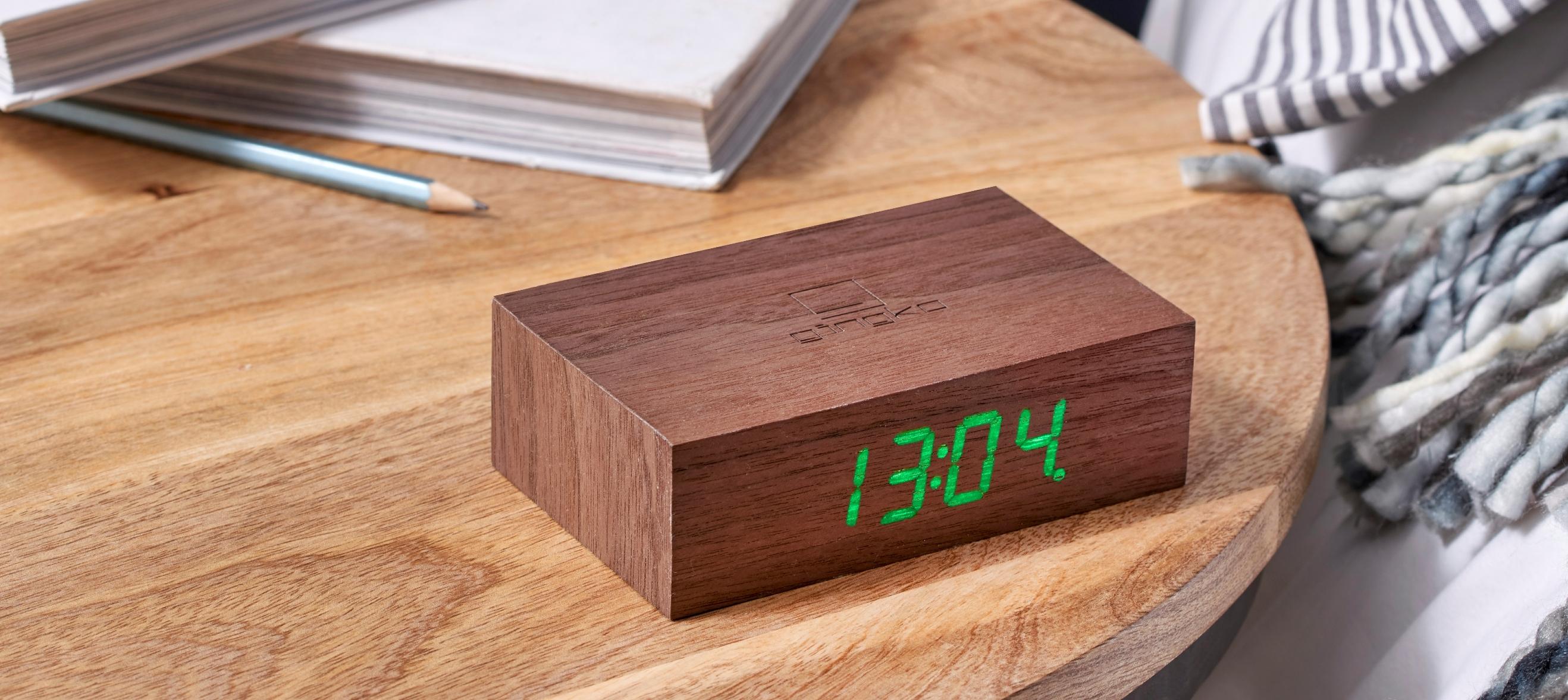Ceas inteligent cu senzor de alarma Flip Click Clock Walnut/Green