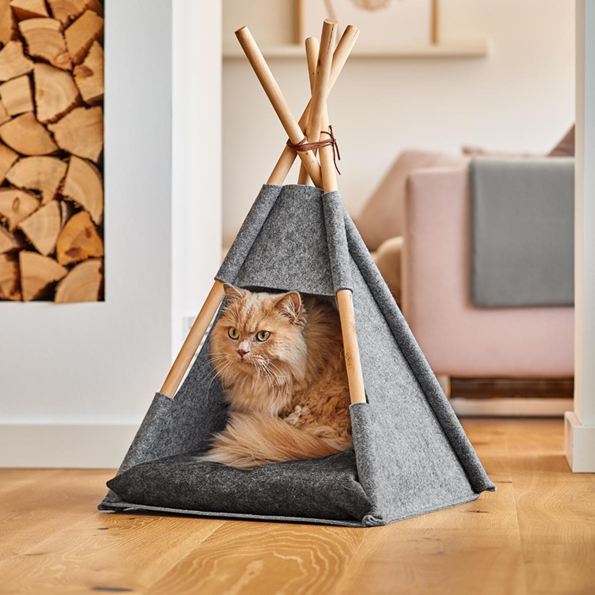 Cort de joaca pentru pisici, din pasla si lemn, Tipi Cat Gri, L44xl42xH45-68 cm poza