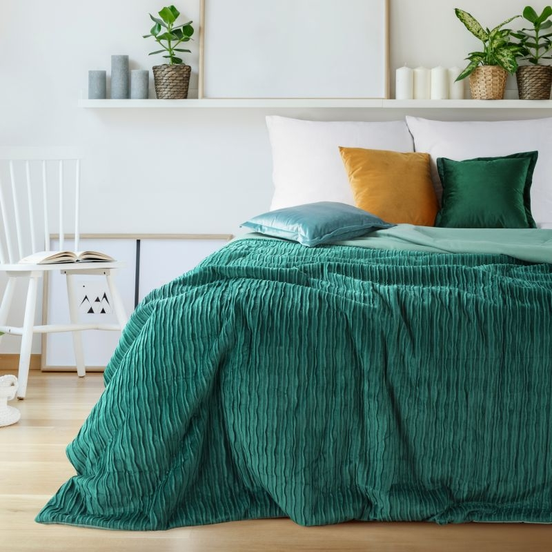 Cuvertura Avilla Premium Velvet Verde Inchis, 220 x 240 cm poza