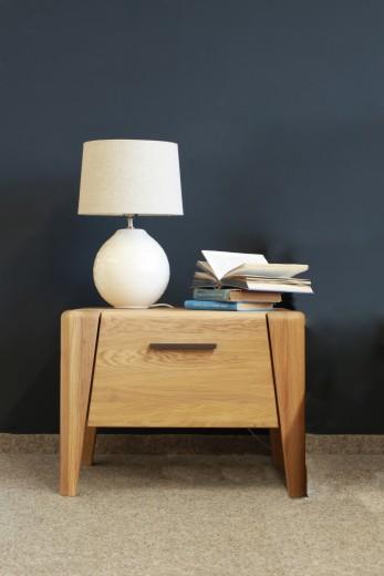 Noptiera din lemn de stejar, cu 1 sertar Keros, l70xA44,8xH45 cm