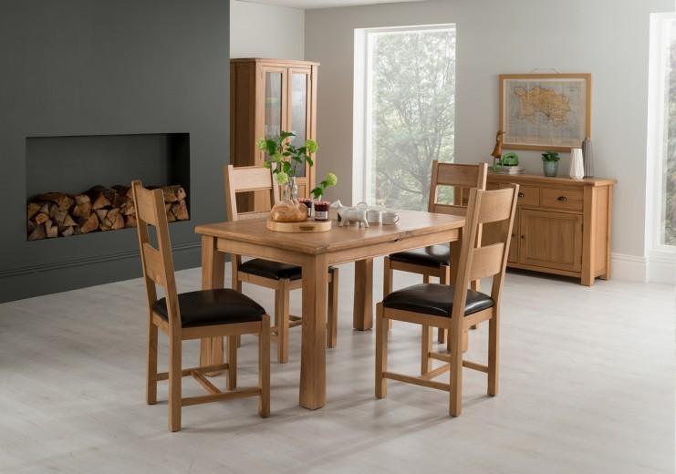 Set masa extensibila din lemn de stejar si furnir + 4 scaune cu sezut tapitat cu piele ecologica Breeze Oak / Brown, L120-165xl85xH78 cm