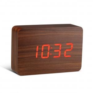 Ceas cu functie de intensitate redusa Brick Click Clock Walnut/Red