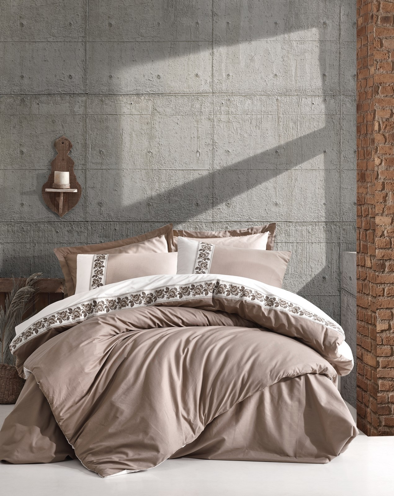 Lenjerie de pat din bumbac Ranforce, Rosinda Bej / Crem, 200 x 220 cm