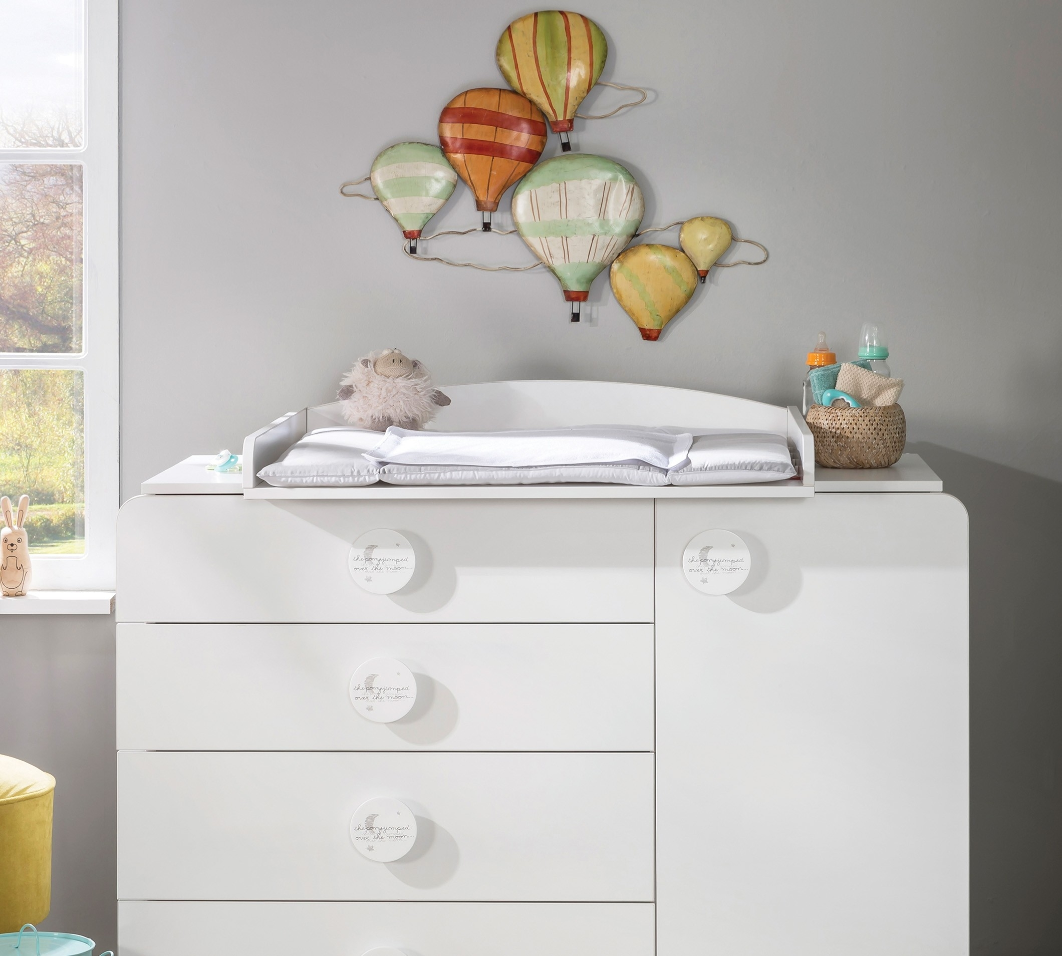 Masa de infasat din pal transformabila in etajera, pentru bebe Baby Cotton White, l82xA74xH13 cm din categoria Mobiler copii