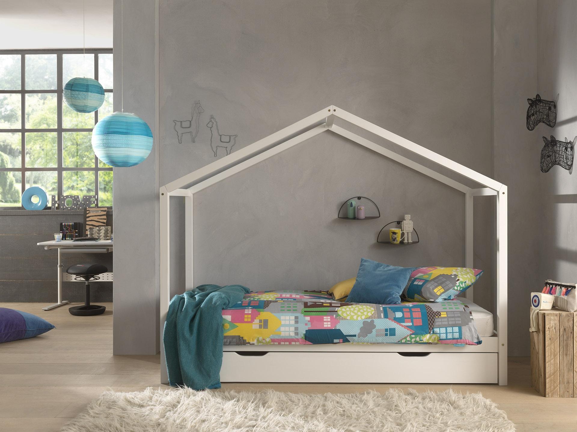 Pat din lemn de pin cu sertar, pentru copii tip casuta Dallas House Alb, 200 x 90 cm