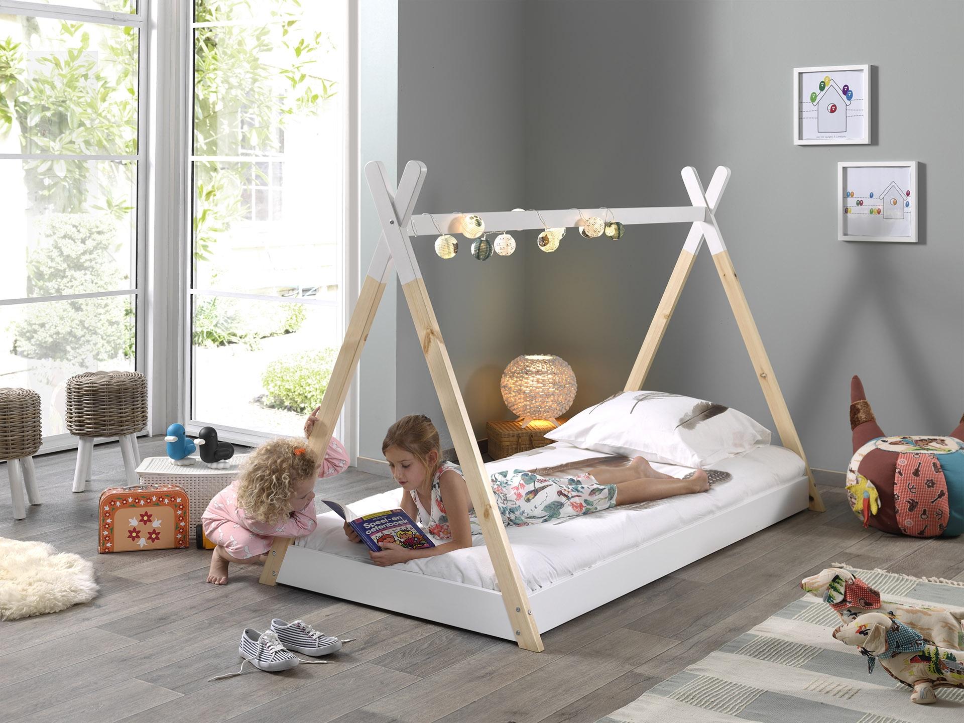 Pat din lemn de pin pentru copii tip cort Tipi Alb / Natural poza
