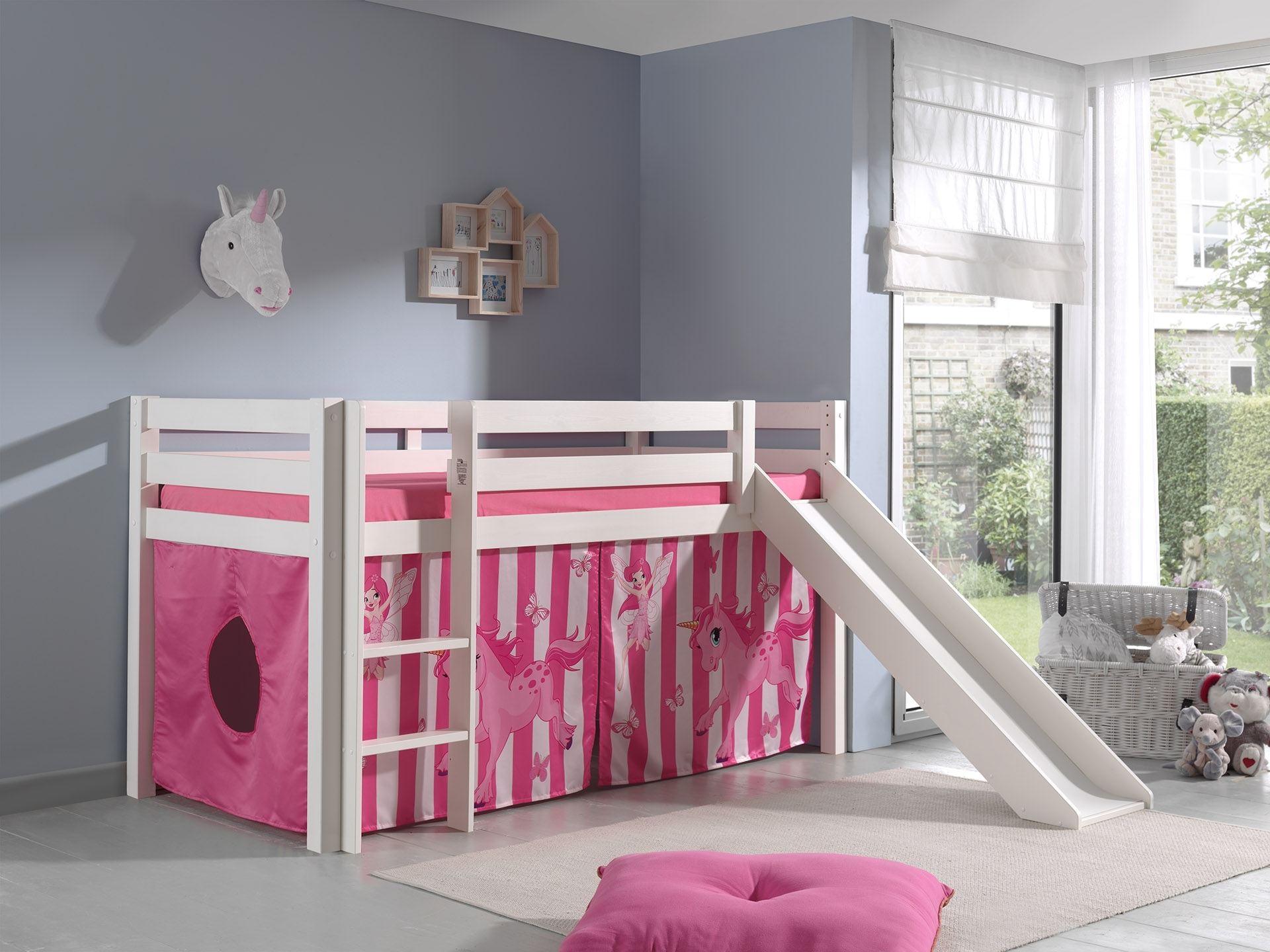 Pat etajat din lemn de pin, cu tobogan pentru copii Pino Pony Alb, 200 x 90 cm