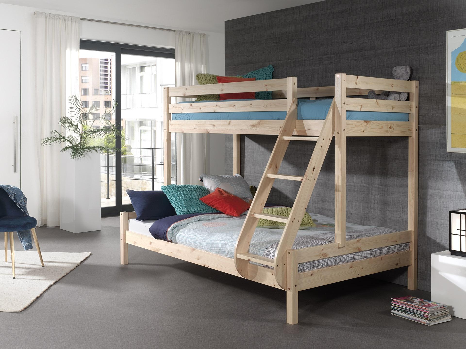 Pat etajat din lemn de pin pentru copii si tineret Pino Triple Natural, 200 x 140 cm imagine