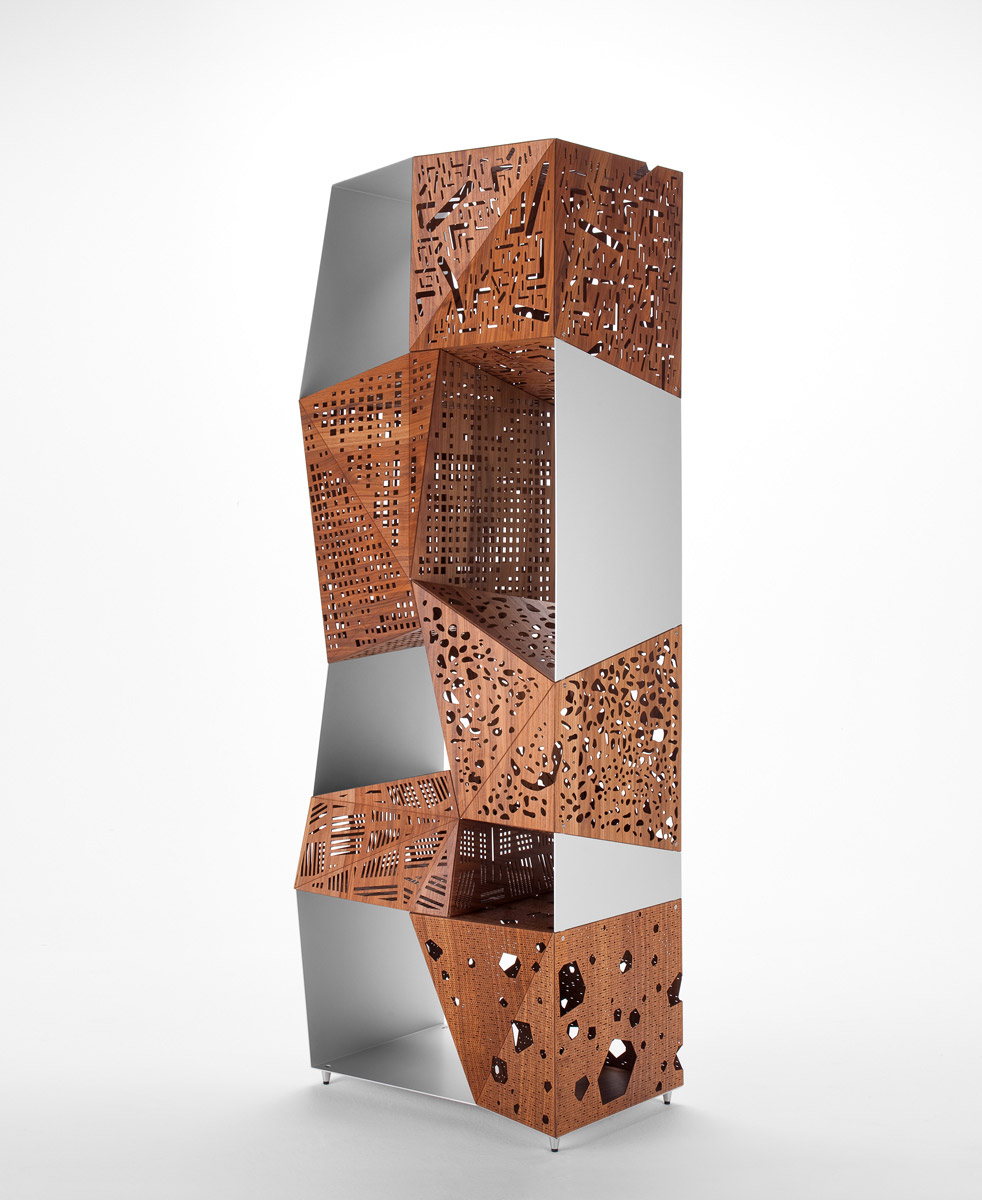 Biblioteca din lemn si aluminiu Riddled Totem White / Nature l70xA50xH205 cm