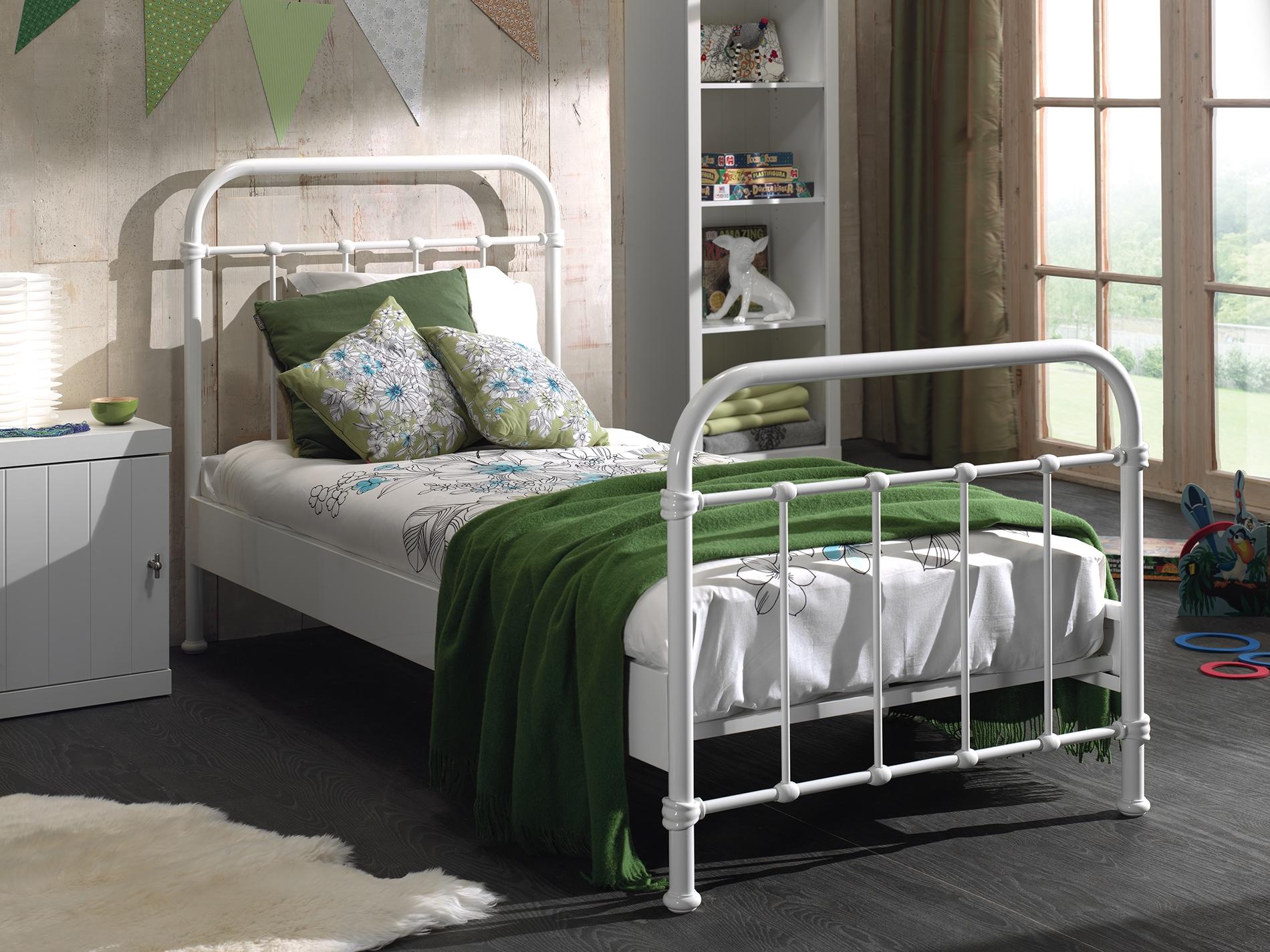 Set Mobila dormitor din lemn de pin si MDF cu pat metalic, pentru copii 3 piese New York Alb, 200 x 90 cm poza