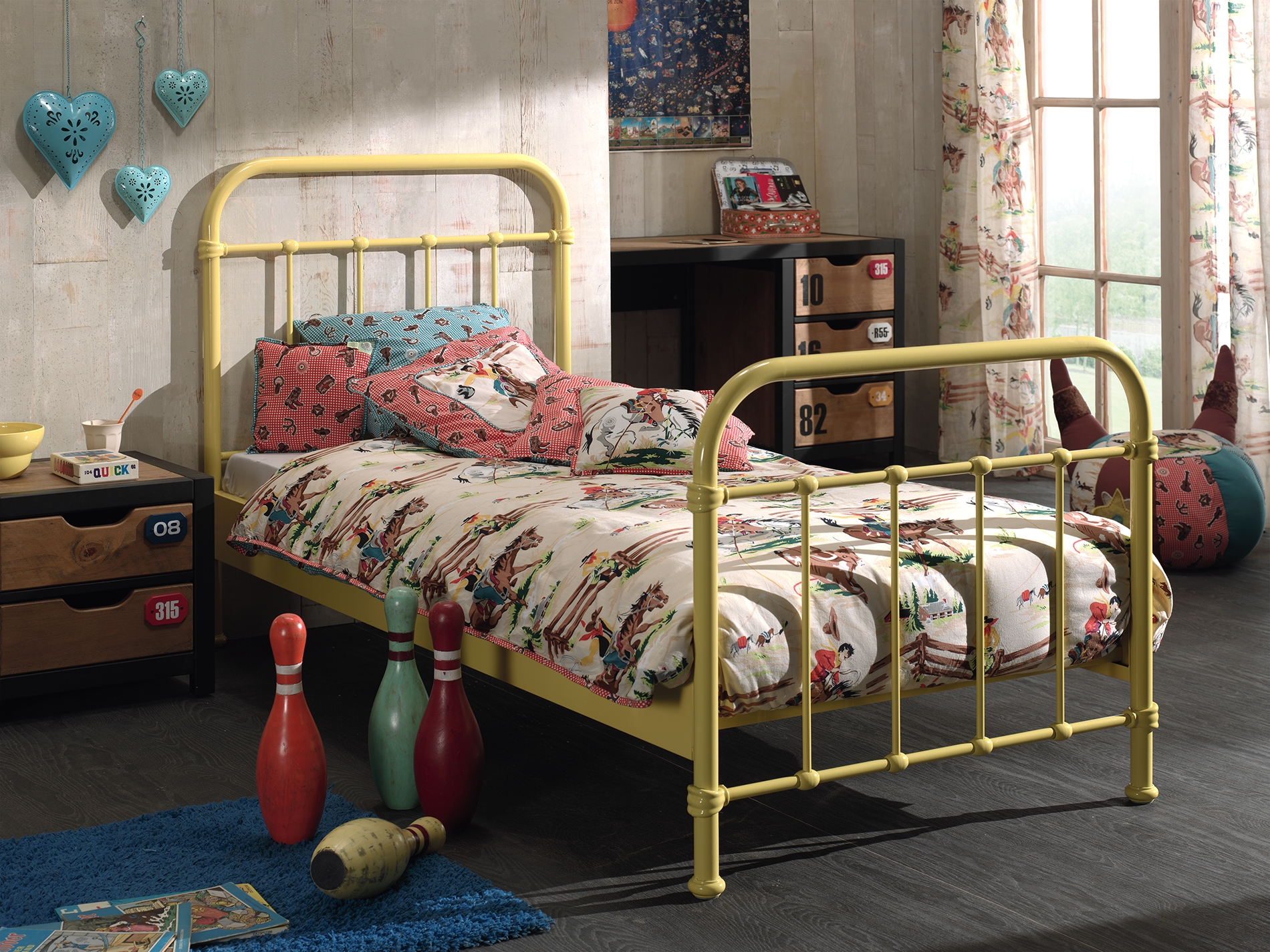 Set Mobila dormitor din lemn de pin si MDF cu pat metalic, pentru copii 3 piese New York Galben / Natural, 200 x 90 cm somproduct.ro