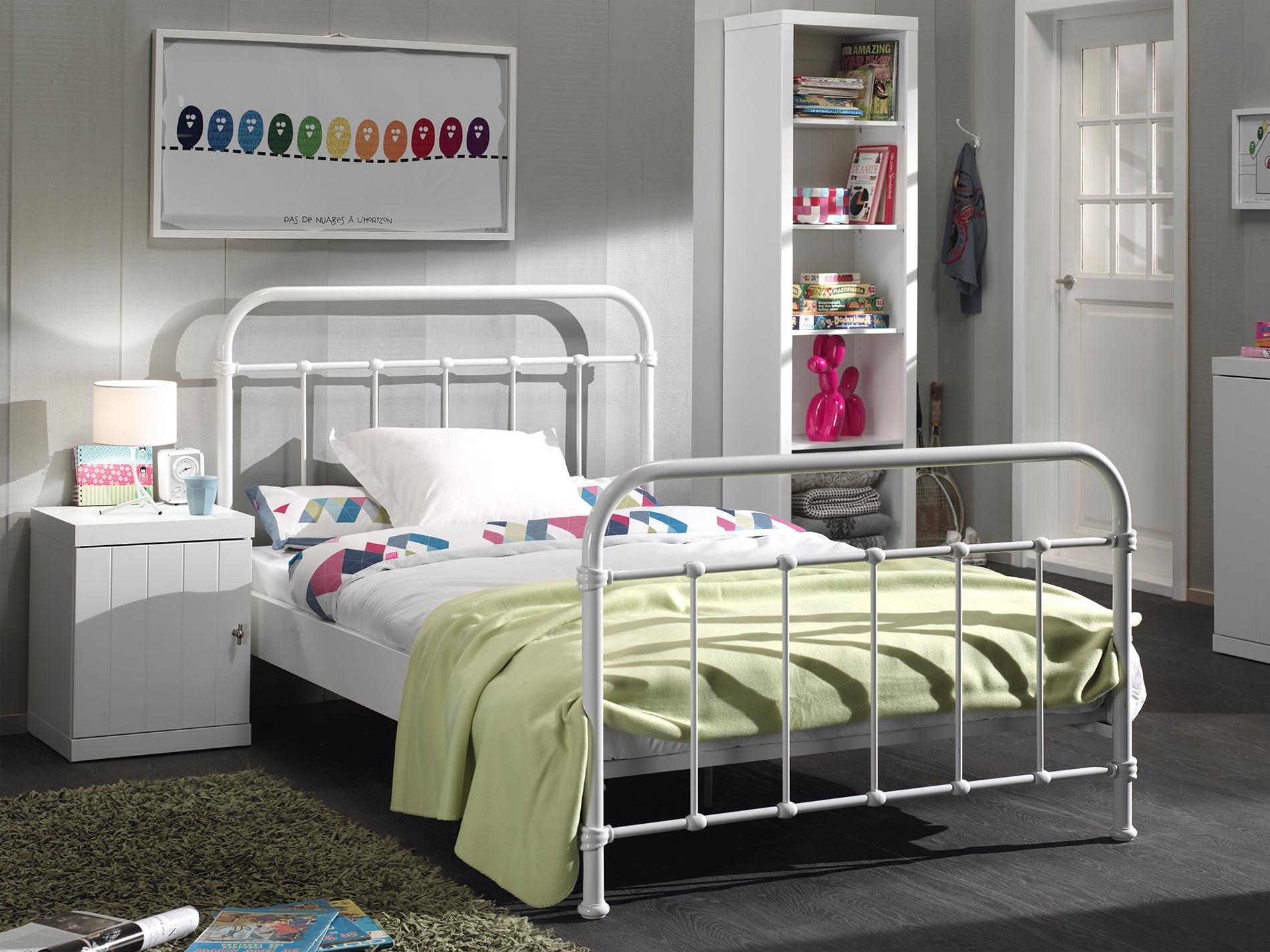 Set Mobila dormitor din lemn de pin si MDF cu pat metalic, pentru tineret 3 piese New York Alb, 200 x 120 cm imagine