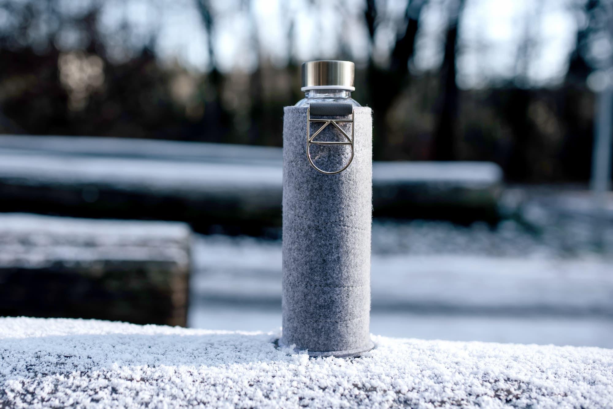 Sticla pentru apa Equa Mismatch Gold -750 ml somproduct.ro