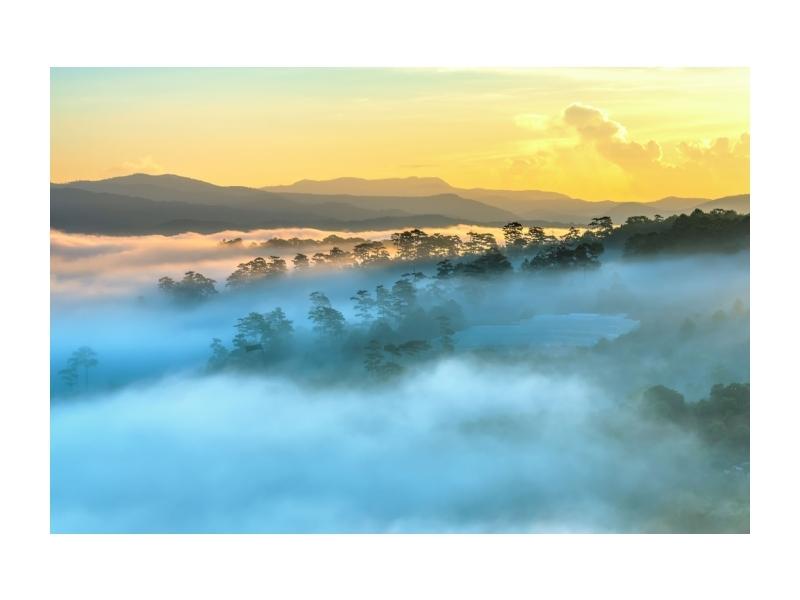 Tablou Sticla Foggy Landscape, 120 x 80 cm imagine