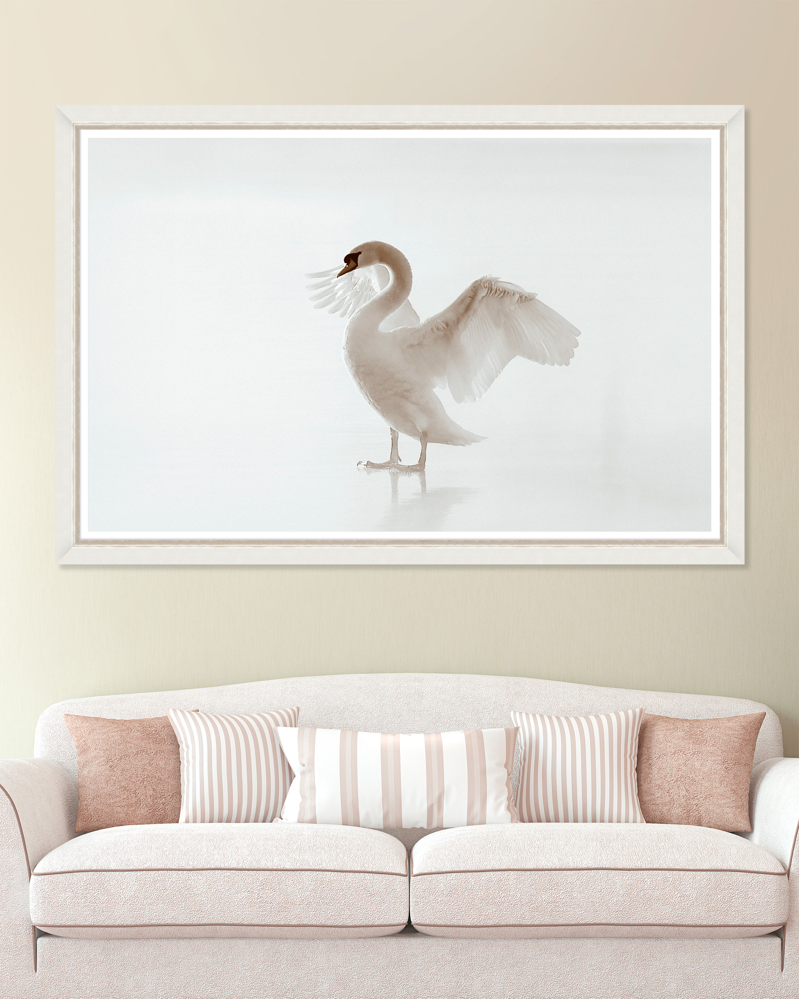 Tablou Framed Art White Beauty title=Tablou Framed Art White Beauty